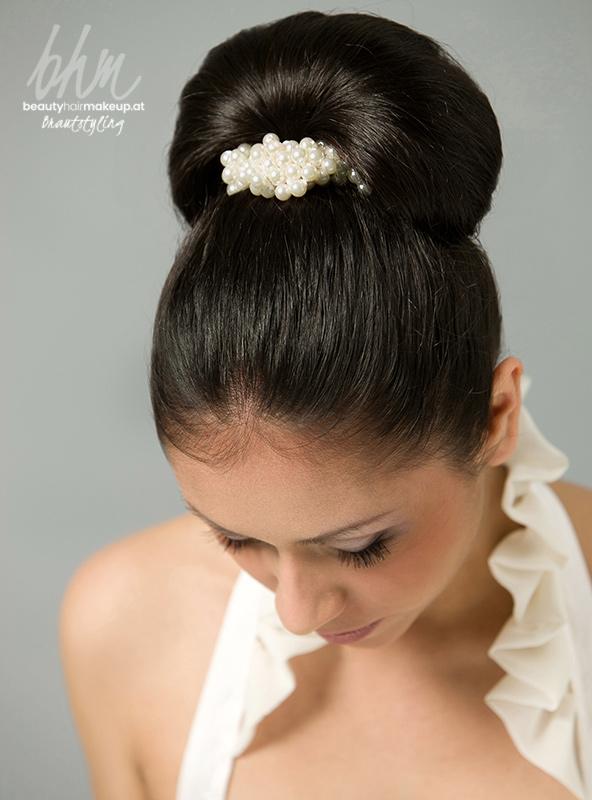 Brautfrisuren hoher dutt