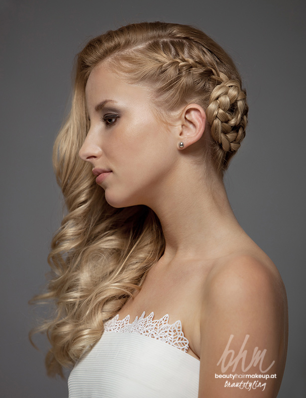 Brautfrisur Seitlich Zopfdetail Beautyhairmakeup Artists