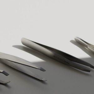 Die besten Make-up Tools: Pinzetten