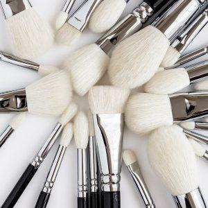 warum-pinsel-zum-schminken-verwenden