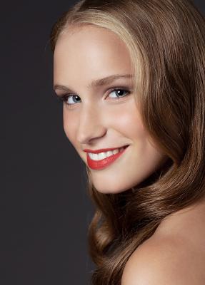 Braut Make up roter Lippenstift